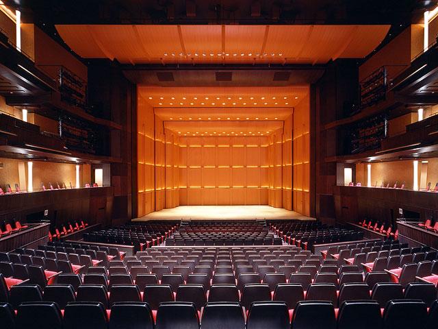 生きづらさを解消する劇場の未来