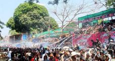 多忙すぎる水かけ祭りでミャンマー人は何を食べるのか?