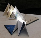 みんなの図工室11 ~三角形の豆本をつくろう-手作り製本講座~