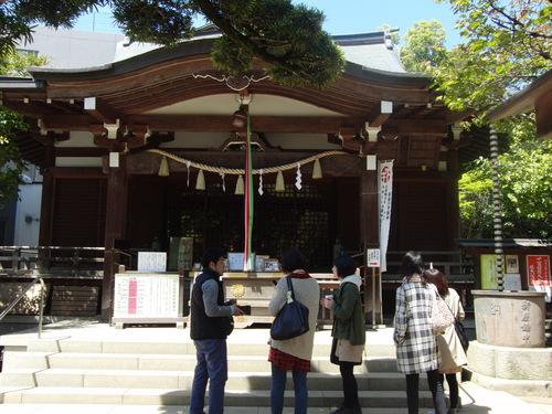 20130413_06.鳩森神社内.jpg